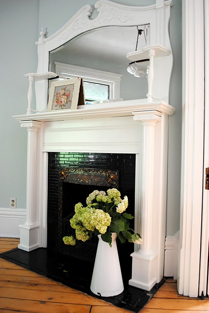 soft: Decor Site, Decor Ideas, Indoor Decor, Mantel Decor, Canadian Style, Dresses Up, Decor Canadian, Faux Mantels, Beautiful Mantels