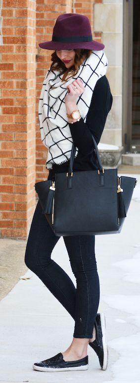 Windowpane Blanket Scarf sets off a street style outfit to perfection.                                                                                                                                                     More