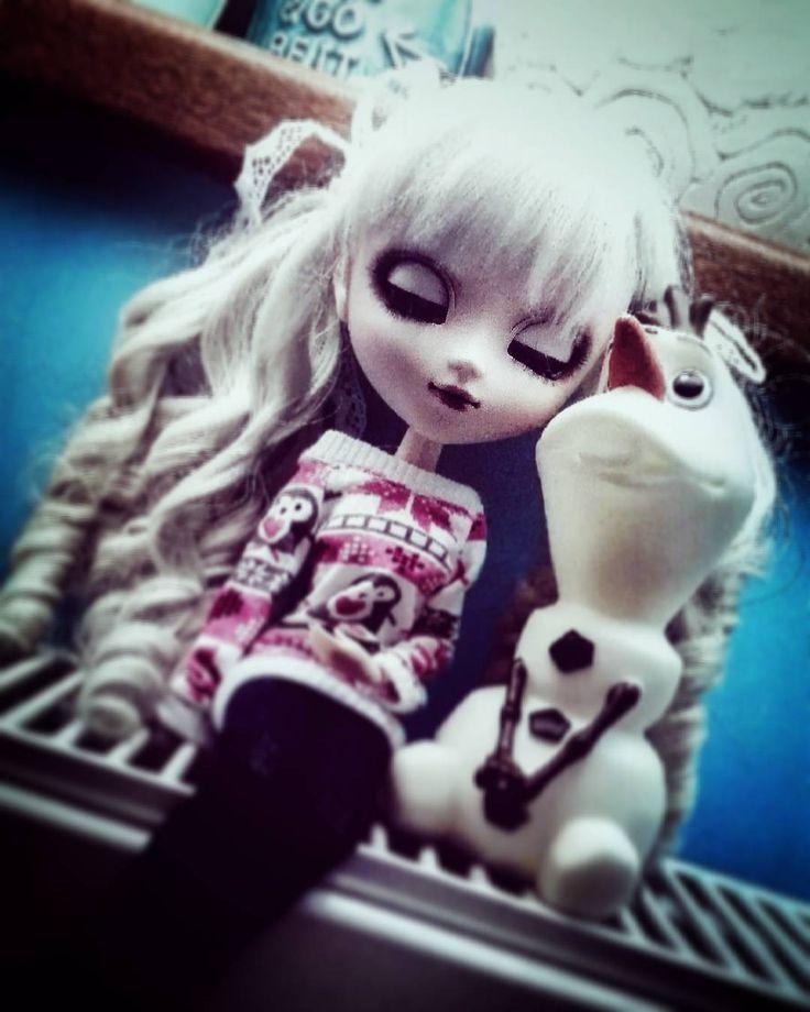 #pullip #pullipstyle #pullipdoll #pullipdolls #pullipalice #pullipalicesepia #pullipstagram #instapullip #instadoll #doll #dollstagram #dolls #dollhouse #kawaii #kawaiidoll #anime #animedoll #aliceinwonderland #alice #outfitoftheday #outfit #polska #poland #day #frozen #elsa #olaf #snowman #winter #thebest http://misstagram.com/ipost/1547828694427478630/?code=BV6_f8wgapm