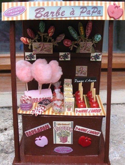 Fête foraine = bar à bonbons, pommes de tire , barbe à papa et pop corn au caramel!