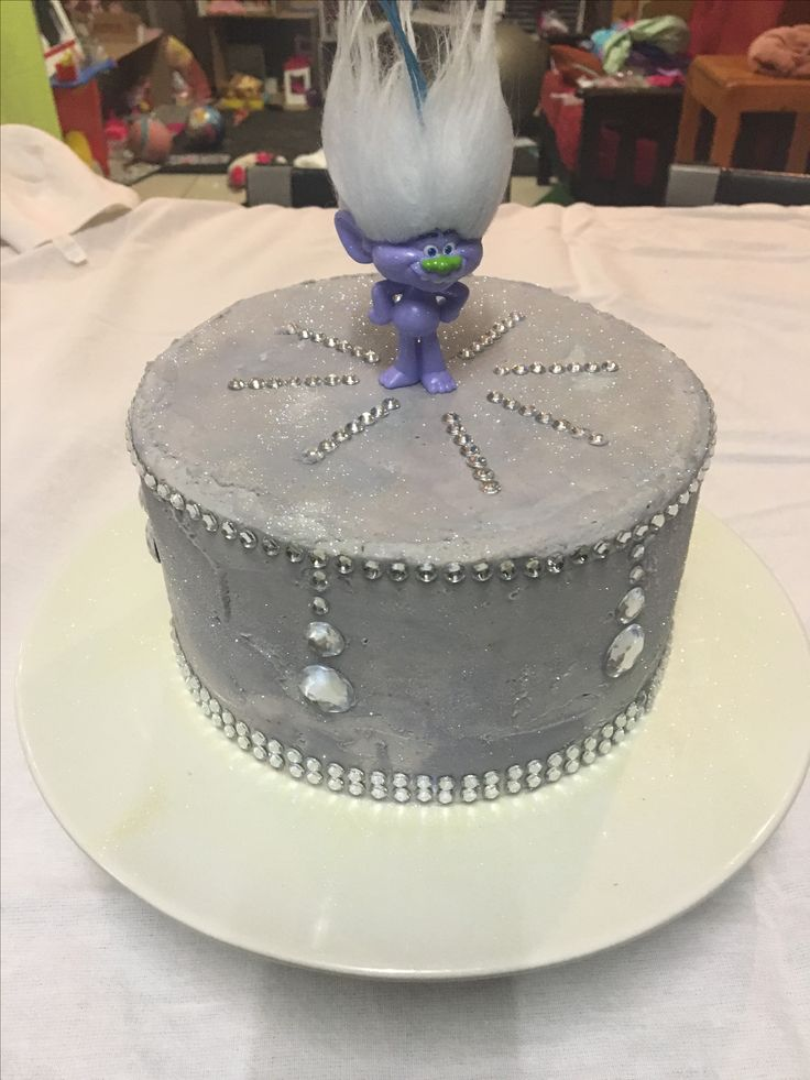 Guy diamond cake 09/04/2017