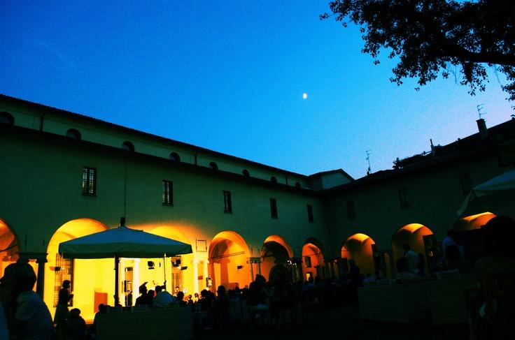 Il chiostro quando cala la sera.  Museo Diocesano, Milano