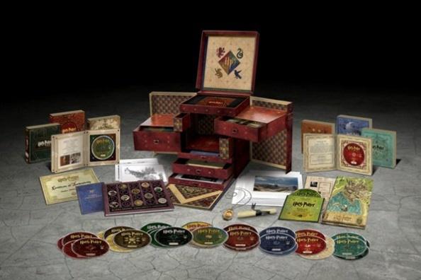 """Découvrez en image le coffret collector d'Harry Potter le """"Wizard Collection"""" avec un aperçu des produits se trouvant à l'intérieur. C'est un coffret édition limitée!"""