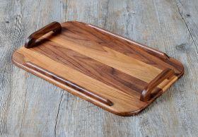 Vassoio in Stile classico, realizzato artigianalmente in Noce Canaletto massello. #artigianato #madeinitaly #legno
