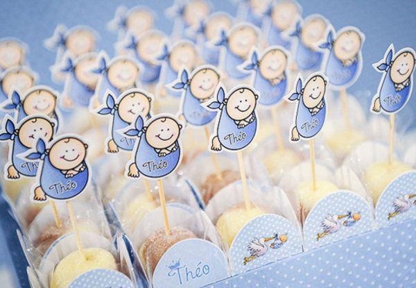 Decoração para brigadeiros!! Bebês colados em palito de dente ^^ Decoração de chás de bebê originais - Bebê.com.br