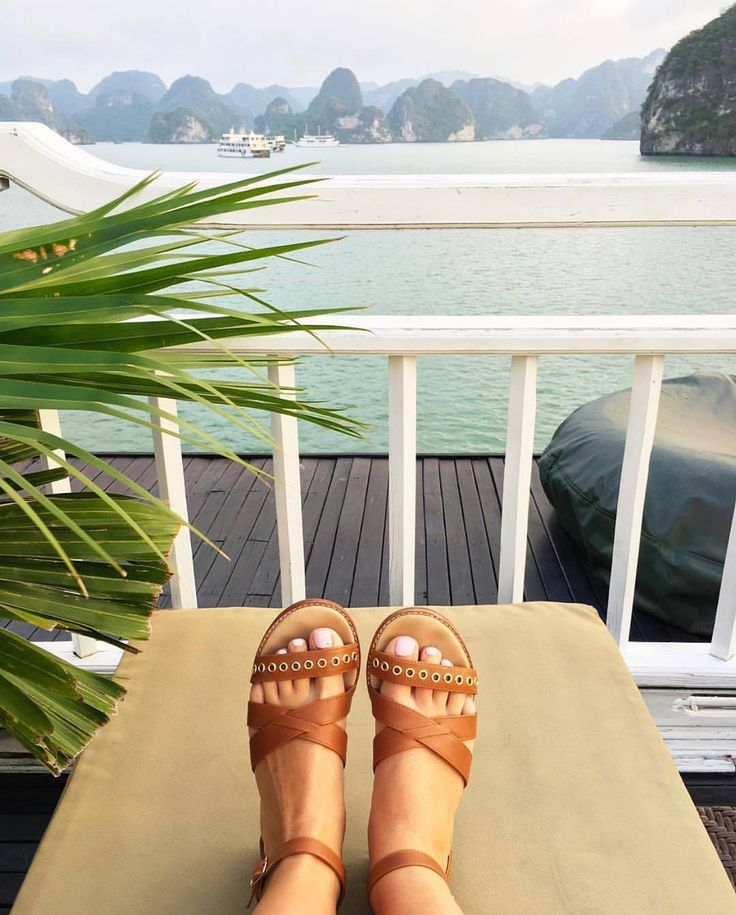 From where we'd rather be. Congratulations @dmay3 you're this fortnights #liveeverystep winner! You've won yourself another pair of Bared.  We'll DM you shortly.  Wanna win a pair? Get creative upload a snap in Bared and tag #liveeverystep. Winners are drawn fortnightly!