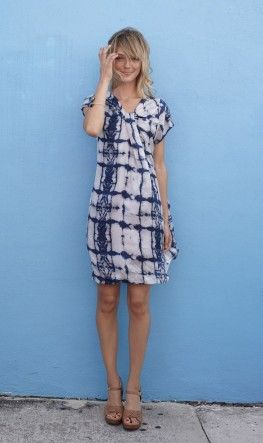 Love the tiedye. Casual, easy to put together dress for street wandering.