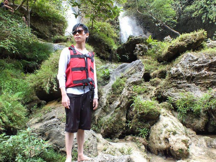Foto itu hasil dari lukis tangan yang dialurkan melalui kamera dan menghasilkan seni yang indah.  Potret @naruhibiki  #sejuk #srigethuk #airterjun #air #like4like  #vsco #sky #streetphotography #alam #hijau #sun #sunrise #terang #pohon #gambar #belajarphotography #sunrise_sunsets_aroundworld #world #green #tree #glow #global_hotshotz #candid #camera #cool #indah #indonesia by logika_santai