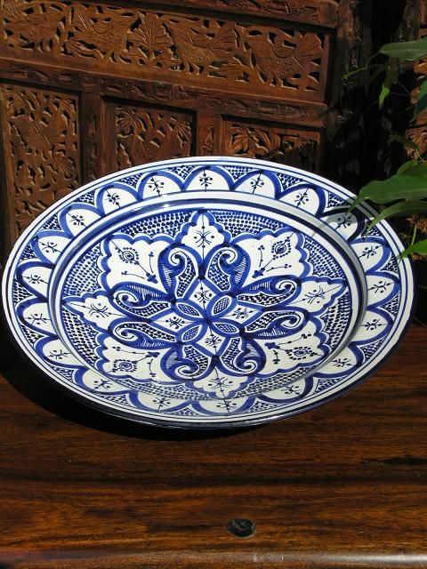 Large plate in a traditional Moroccan blue and white pattern