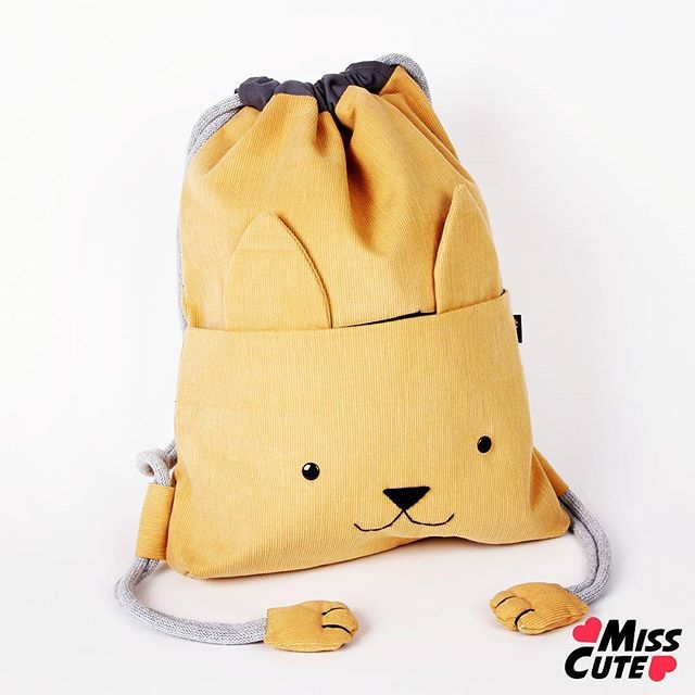 Drawstring bag kittt cat #worek #plecak #bag #backpack #drawstringbag #handmade #craft #sewing #design #cute #kawaii #kids #cat #kitty #kot #dladzieci #plecaczek #accessories #musthave #instabag #fashiongram #rekodzielo #polskierekodzielo #torba #summer #school #szkoła #backtoschool #paws #coyote