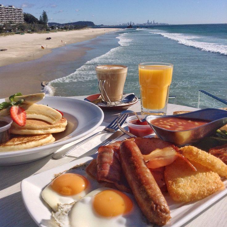 Currumbin Beach Vikings Surf Club - Vikings Big Breakfast