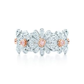 $17,000 Jean Schlumberger Daisy ring in platinum with Fancy Pink diamonds. Want it so bad