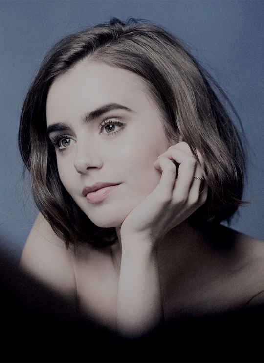 Lily Collins, a face carved by angels