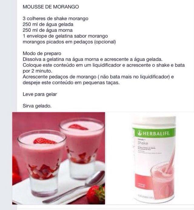 Mousse de Morango  sobremesa saudável! você pode fazer a noite. Fiz com gelatina zero. Cada porção fica com apenas 60 calorias e 6g de proteina, além de todos os nutrientes!!!