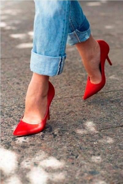 А вам нравятся красные туфли? <3