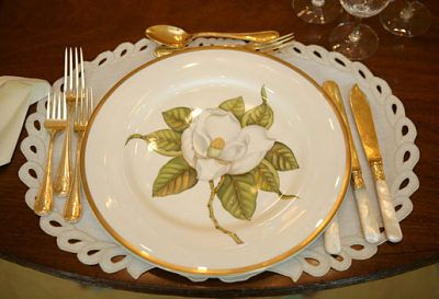 White House China -  George W Bush (informal, 75 settings)  (Design by Anna Weatherly / Pickard China)