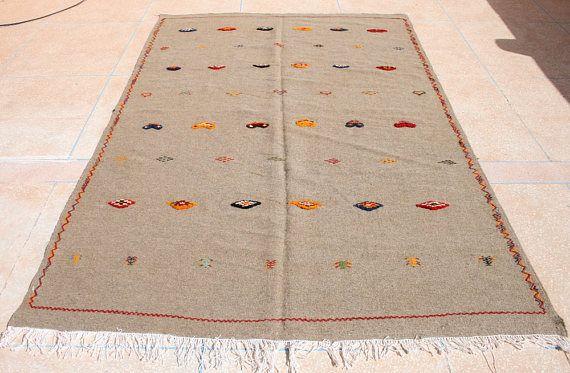 Kelim Teppich, Bestickter Kelim Teppich, Grauer Kelimteppich, Marokkanischer Teppich,  Wandteppich, Wandbehang, 2 x 3 Kilim