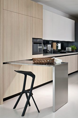 Linear sliding tables for kitchens, Elmar