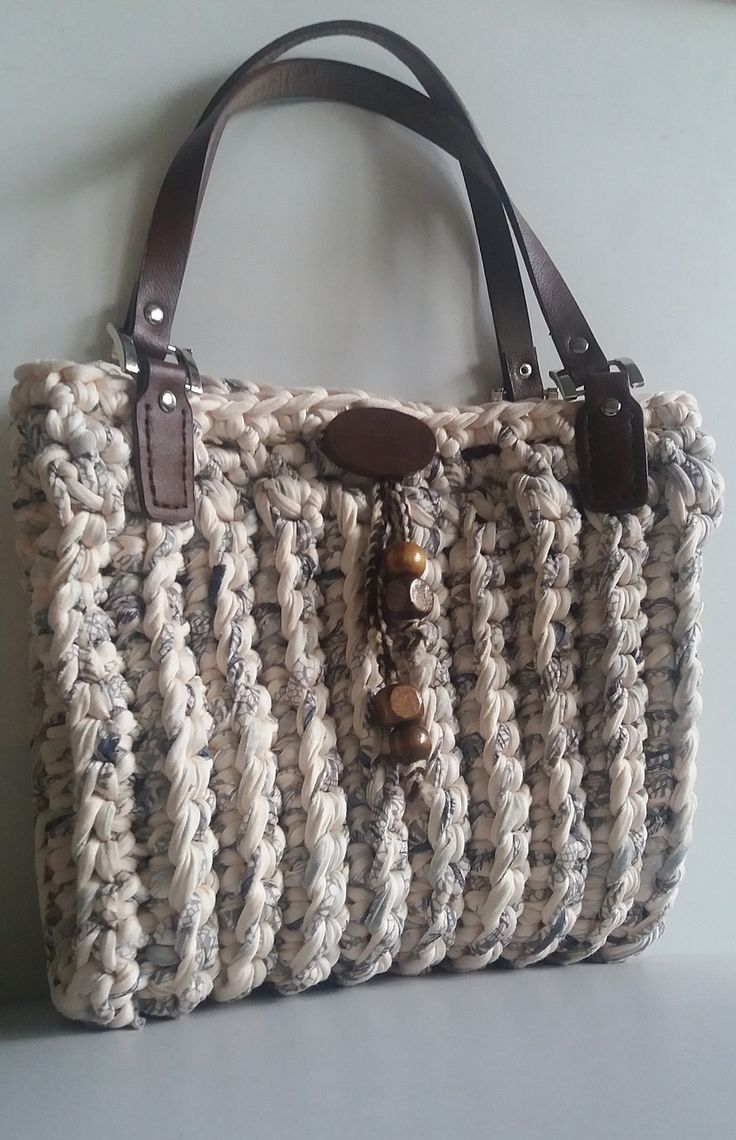 1000 id es propos de sacs main au crochet sur pinterest sacs en crochet sac en crochet. Black Bedroom Furniture Sets. Home Design Ideas