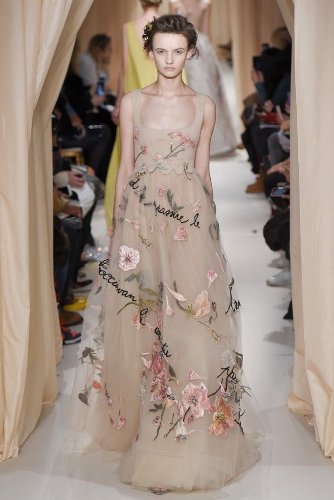 Valentino Couture Spring 2015 - Slideshow - Runway, Fashion Week, Fashion Shows, Reviews and Fashion Images - WWD.com