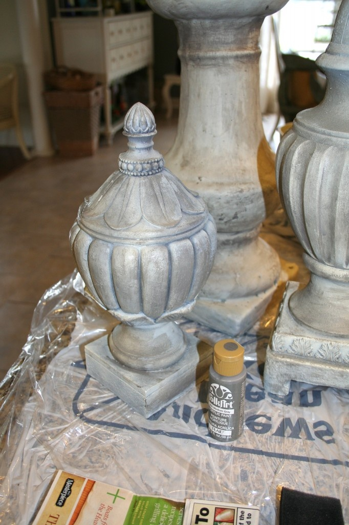 Diy Faux Stone Spray Paint Technique - Tutorial.  Idea for outdoor urns with flat waterproof coat.
