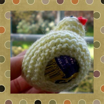 free-pattern-for-knitted-easter-chick--containing--lrg.png (420×420)