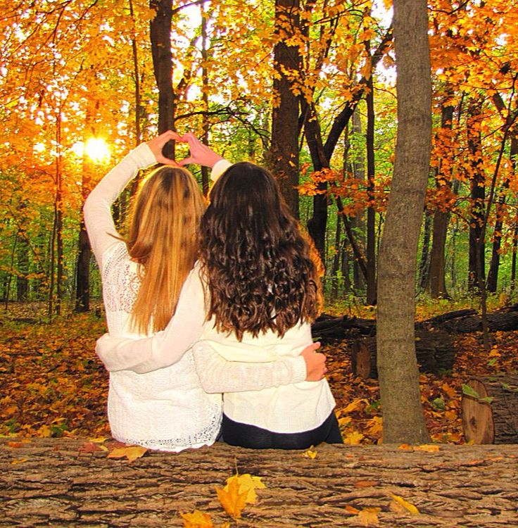 Fall best friend photo shoot ❤️                                                                                                                                                                                 Mehr