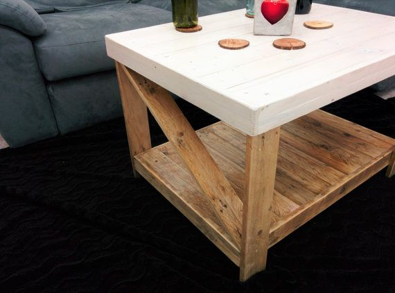The beauty and warmth of the raw wood pallet. Watching television in the bedroom, or to embellish a corner with no personality. This coffee table is made entirely by hand with white painted wood pallet and raw wood treated. Each piece has a unique imprint, for this any imperfections or signs of the wood are not considered as defects of realization but synonymous with recycling and originality. The wood has a imperfect soul, it opens to heat and aging before time, becoming most attractive…