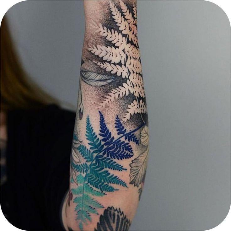 """Tattoodo auf Instagram: """"Ich mag die Verwendung von negativem Raum in diesen Farnblättern von … #Tattoos #Ale"""