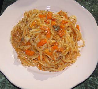 Кушать подано! Рецепты вкусных блюд из простых продуктов.: Спагетти с овощами и консервированной рыбой