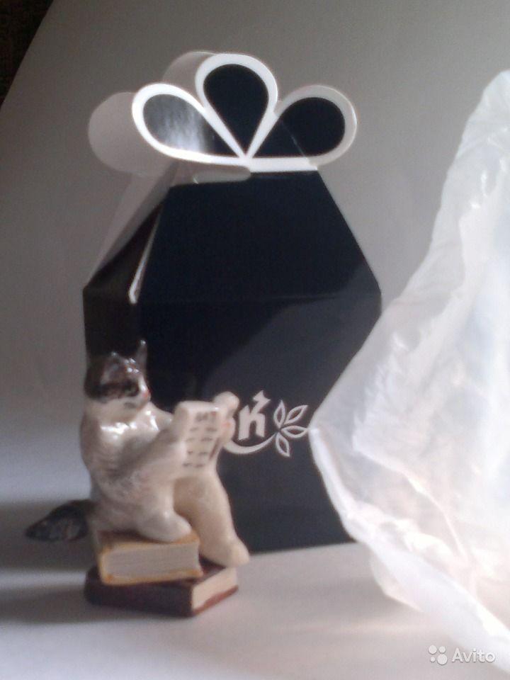 Фигурка кота с книгами декоративная, керамическая высотой 6 см. В подарочной упаковке, купить в Москве на Avito — 500 руб.