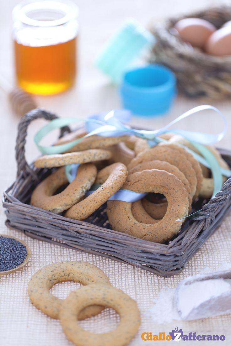 I biscotti al miele e semi di papavero (honey and poppy seed cookies), grazie…