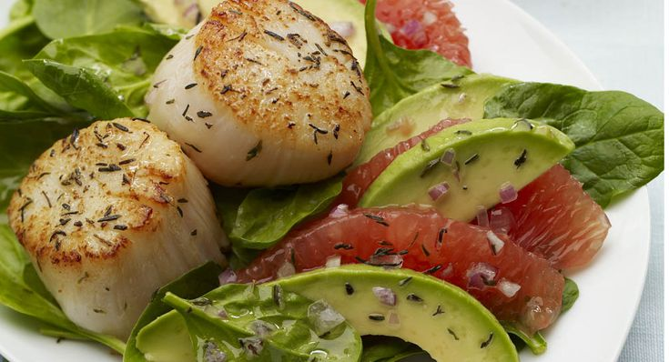 Seared Scallops with Red Grapefruit Avocado Salad~ Healthy and it sounds good. :o)