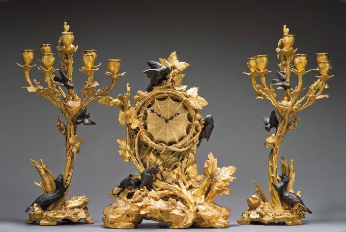 Estimation : 12 000/18 000 euros.  Christophe Fratin (1801-1864), garniture en bronze ciselé, doré ou patiné, comprenant une pendule et une paire de candélabres à sept lumières, fin du XIXe siècle, pendule : h. 51, l. 41 cm, candélabres : h. 60 cm.  Vendredi 5 avril, salle 7 – Drouot Richelieu. Aguttes SVV. Cabinet Dillée.