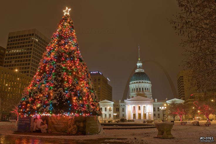 Stlouis christmas towndown | St. Louis downtown Christmas tree ...
