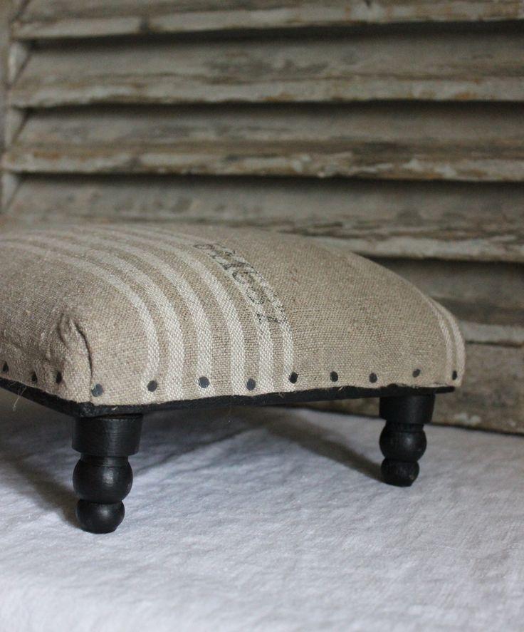 les 25 meilleures id es de la cat gorie repose pieds sur pinterest lots de cuisine repose. Black Bedroom Furniture Sets. Home Design Ideas