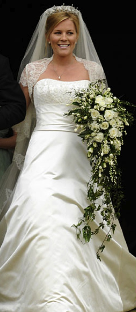 autumn kelly wore a romantic and classic cream colored wedding gown by off the