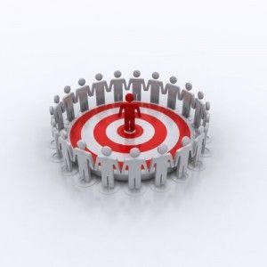 3 solutions pour attirer votre clientèle cible sur vos réseaux sociaux http://carelebelanger.com/fr/attirer-clientele-cible/ #clientèlecible