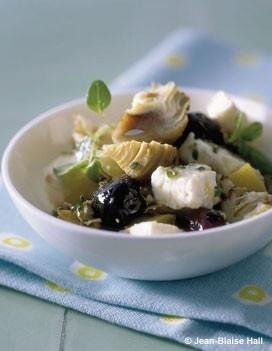 Salade artichauts, feta, olives, citron confit : recette de cuisine proposée par ELLE à Table - Recettes Elle à Table