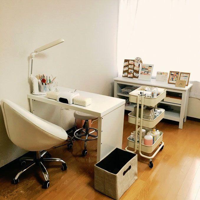 Nail Salon Design Ideas Beautiful Small Space Home Nail Salon Decorating Ideas In 2020 Nail Salon Design Home Nail Salon Home Beauty Salon