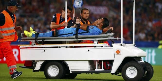 Foot - C1 - Barça - Barça: gravement blessé par le Romain Nainggolan, Rafinha souffre d'une rupture du ligament croisé antérieur du genou droit