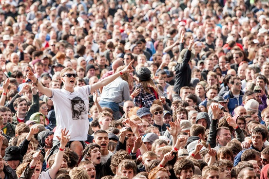 I wish I was there! The Stone Roses come home at heroic first night of Heaton Park | News | NME.COM