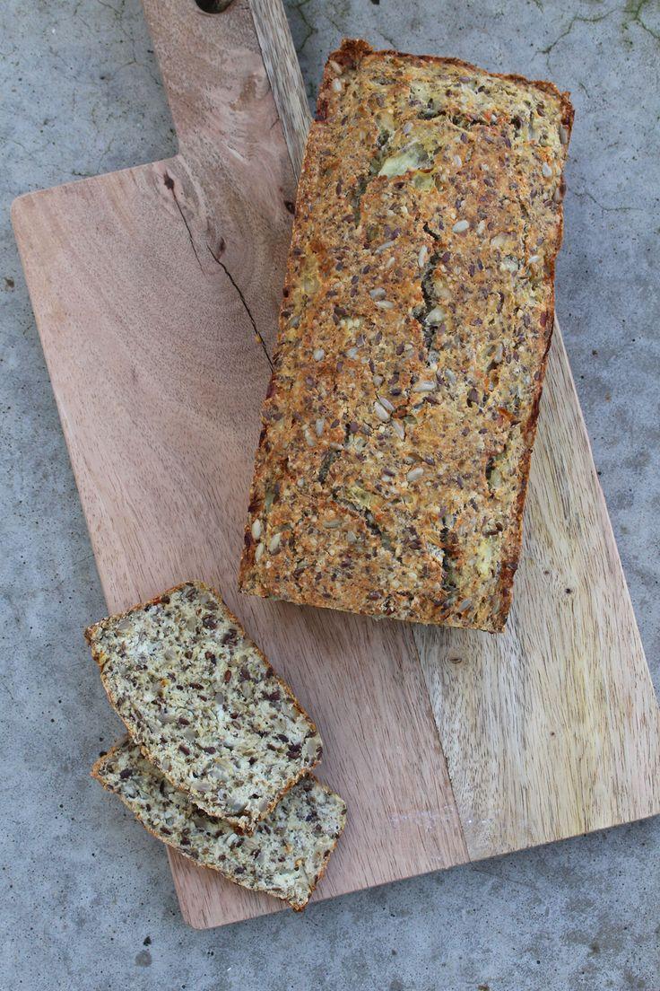 Glutenfreies Kokos-Brot mit Frischkäse #Paleo