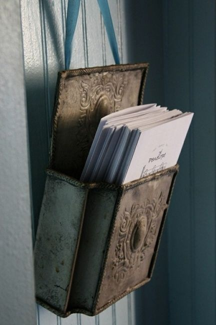 A collection of vintage/antique mailboxes on an entry wall would be beautiful.