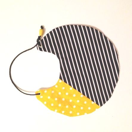 στρογγυλή σαλιάρα stripes & dots