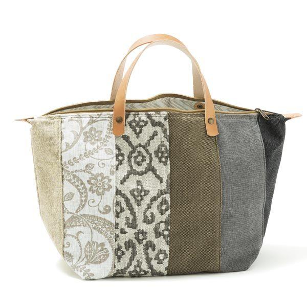 Handbag -Mala de mão em chenille, forro interior em sarja/ganga. Pegas duplas em couro natural. Fecho de correr. Handmade - numerado. Medidas:45 x 28 x 20cm