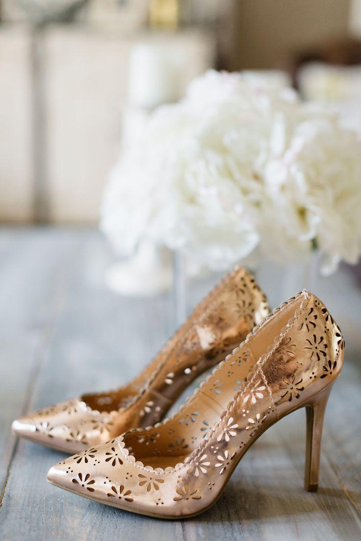 "LC Lauren Conrad Crepe Blazer & LC Lauren Conrad ""Rose"" floral pumps. #HelloGorgeous"