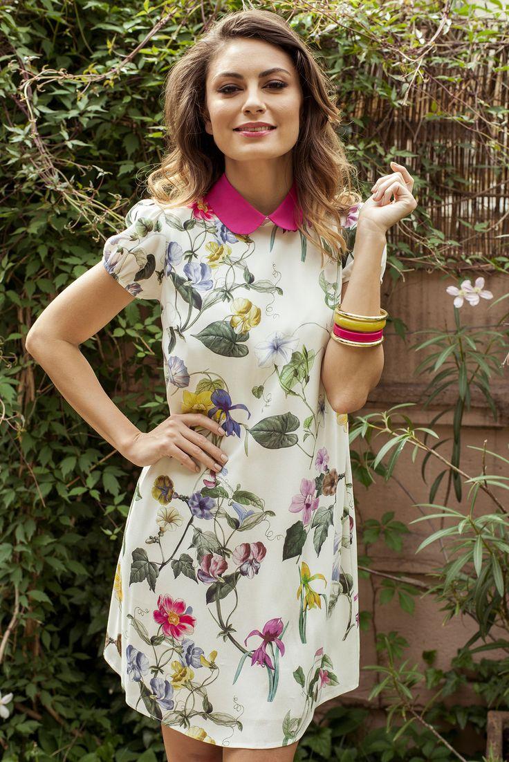 Comanda online, Rochie din voal cu guler rotunjit PrettyGirl alba cu imprimeuri florale. Articole masurate, calitate garantata!