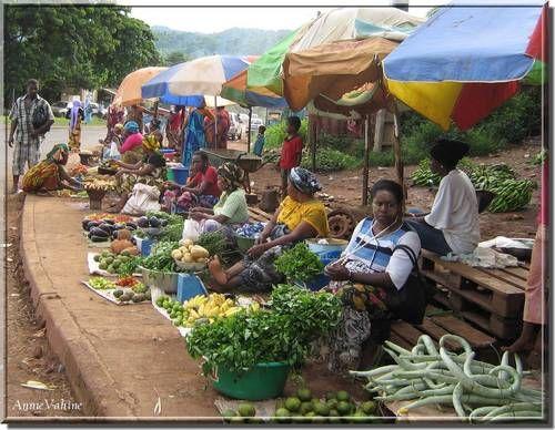 un marché de bord de route - Mayotte