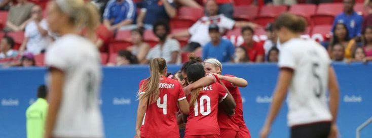 Jubelnde Kanadierinnen beim Spiel gegen die DFB-Frauen Deutschland -Kanada 1:2 - Vorrunde